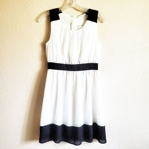 Soprano black white sheath dress NWT
